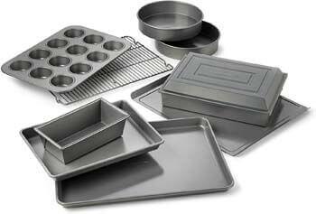 5. Calphalon Nonstick Bakeware 10-pc. Bakeware Set