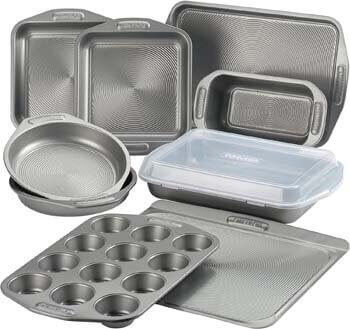10. Circulon 46847 Total Nonstick Bakeware Set