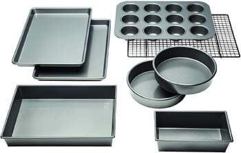 4. Chicago Metallic 5229030 Professional Non-Stick 8-Piece Bakeware Set