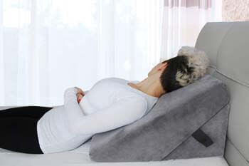 5. Cushy Form Memory Foam Bed Wedge Pillow